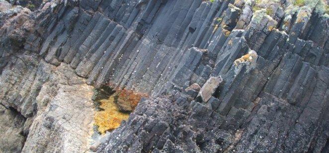 Columnar sandstone on Bute (2)