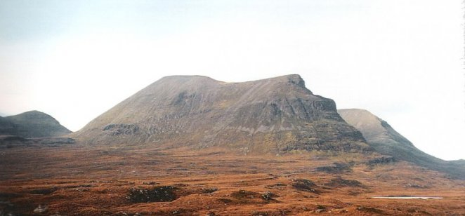Quinag - Applecross Formation, Torridon Group, with cap of Cambrian quartz arenite