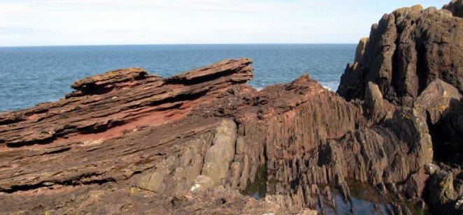 Hutton's Uncomformity, Siccar Point (Silurian below, Devonian above)