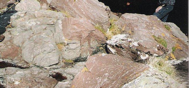 Stromatolites draping Lewisian, Stoer Bay